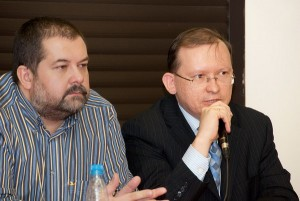 Писатель С. Лукьяненко и председатель РКШ М. Дроздов