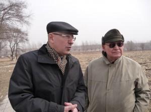 Ген.консул РФ в Шэньяне С.Н.Подберезко и И.К.Савицкий во время посещения Хуаншань