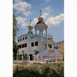 Храм всех святых, от века просиявших, в русском районе Паттайи.