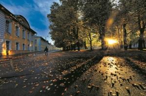 Хэ Лисинь «Осенний день. Петергоф после дождя»